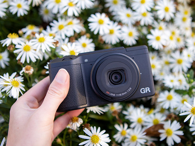 review ricoh GR iii compactcamera